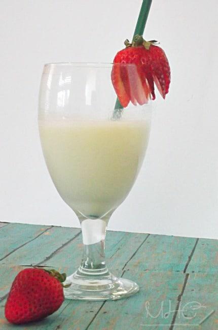 Simple Banana Smoothie Recipe