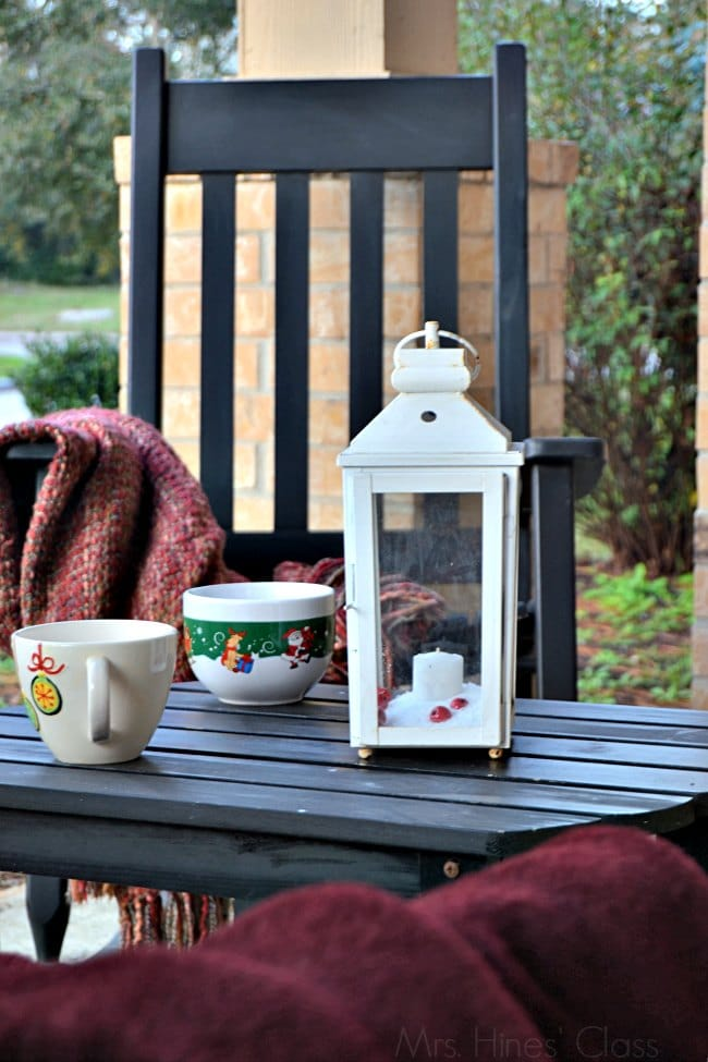 Christmas Home Tour / Seasonal Front Porch Decor / www.sharonehines.com